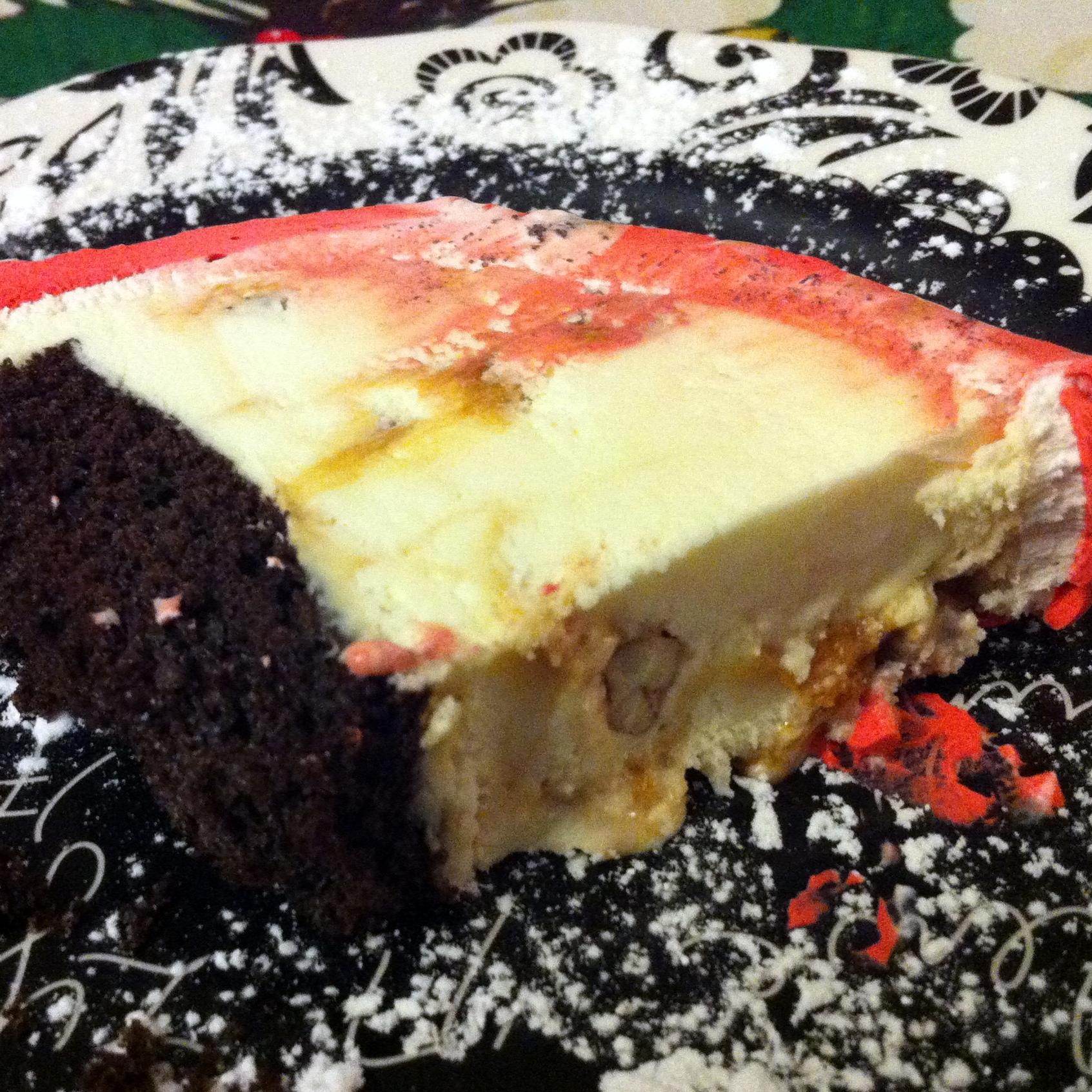 praline ce cream cake