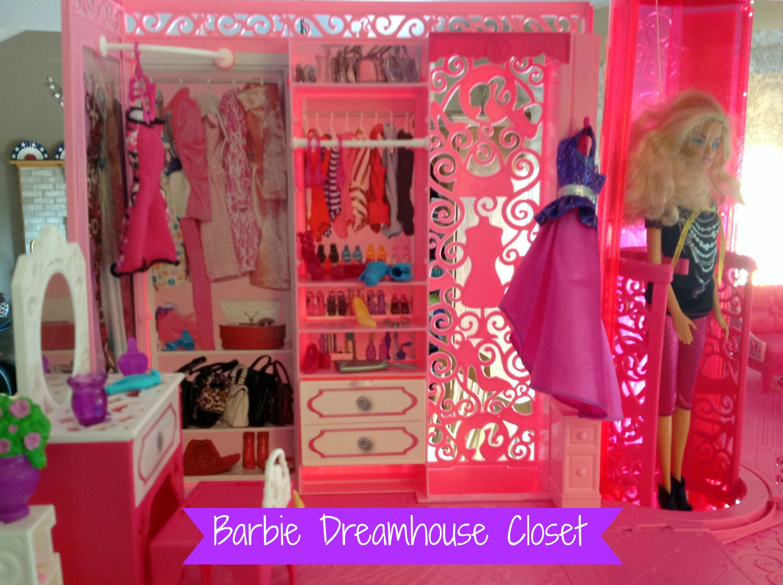 Barbie Dreamhouse Closet W Text