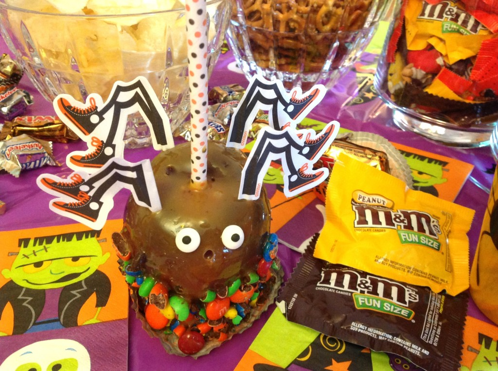 #CBias #SpookyCelebration Mars Candy Caramel Apples with M&M's Candy 2