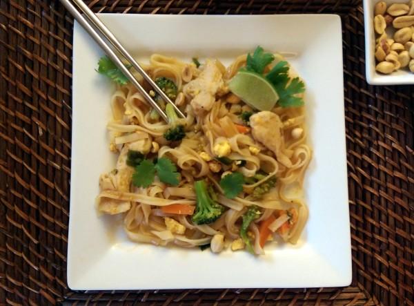 InnovAsian Lemongrass Kitchen Chicken Pad Thai Long Shot