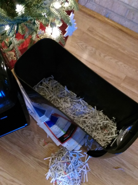 #IC #GiftFellowes #Sponsored Shredder Large Bin