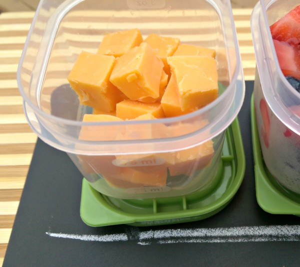 Rubbermaid LunchBlox Kit #BloxOff #IC Cheese Close Up