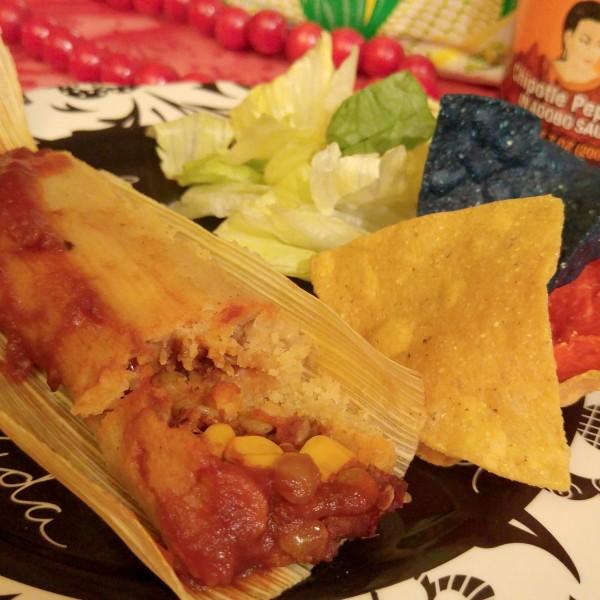 Chipotle Lentil Holiday Tamales Plate #VivaLaMorena #cbias